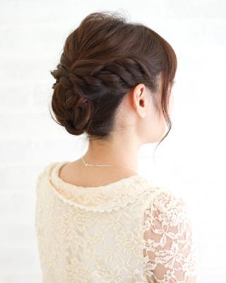 編み込みアレンジヘア