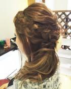 編み込みワンサイドヘア